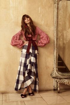 Johanna Ortiz Resort 2018 Collection Photos - Vogue#rexfabrics #purveyoroffinefabrics #cometousforfashion #passionforfabrics