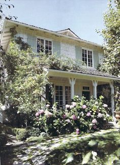 Steve and Brooke Giannetti's house in Romantic Homes magazine