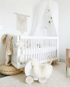 White and Ochre cloud mobile-Neutral gender nursery mobile-neutral baby gift- Ceiling Mobile-Baby mobile-scandi mobile-monochrome mobile-cot Mobile bébé Ocre. Baby Room Neutral, Baby Nursery Neutral, Gender Neutral, Simple Baby Nursery, Cream Nursery, Baby Nursery Furniture, Baby Room Decor, Ikea Baby Room, Ikea Crib