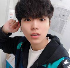 Korean Boys Ulzzang, Ulzzang Boy, Korean Men, Asian Boys, Asian Men, Aesthetic People, Ji Sung, Handsome Boys, Bad Boys