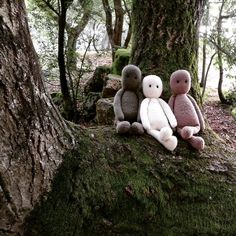 The Oak Folk Doll (Body) Knitting pattern by Agasalhos e Bugalhos Baby Clothes Patterns, Baby Knitting Patterns, Baby Patterns, Kids Knitting, Knitted Baby Clothes, Moss Stitch, Knit In The Round, Knitting For Beginners, Amigurumi Doll