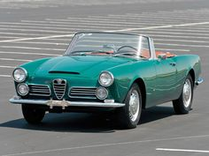 RM Sotheby's - 1963 Alfa Romeo 2600 Spider by Touring Alfa Romeo Spider, Alfa Romeo Cars, Classic Sports Cars, Classic Cars, Convertible, Automobile, Best Muscle Cars, Classic Motors, Sport Cars