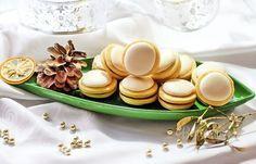 Tento starý vianočný recept mám od ex svokry, ktorá ich piekla pre nás každý rok. Je to už dávno, ale na tú chuť sa nedá zabudnúť. Christmas Sweets, Christmas Goodies, Christmas Baking, Czech Recipes, Russian Recipes, Hungarian Cake, Non Plus Ultra, Xmas Cookies, Polish Recipes