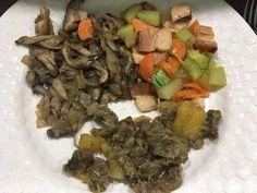 Legumes com bacon shimeji carne com mandioca. Pós treino com carbo! . Para mais 23 receitas low-carb grátis acesse o link da minha bio ( http://ift.tt/29YBk7P ) . . #senhortanquinho #paleo #paleobrasil #primal #lowcarb #lchf #semgluten #semlactose #cetogenica #keto #atkins #dieta #emagrecer #vidalowcarb #paleobr #comidadeverdade #saude #fit #fitness #estilodevida #lowcarbdieta #menoscarboidratos #baixocarbo #dietalchf #lchbrasil #dietalowcarb
