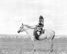 Big Moon. Blackfoot/Siksika. 1909. Photo by Walter McClintock.