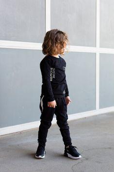 NICE LOOK! #inspiration #levv #boyslook #black #zwart #jongens #kindermode #fashion #looks Punk, Nice, Outfits, Black, Style, Fashion, Clothes, Moda, Suits
