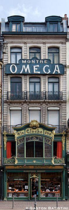 A la cloche d'Or, Rue des Manneliers, Lille, France