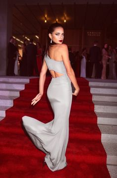 Find images and videos about girl, fashion and beautiful on We Heart It - the app to get lost in what you love. Adriana Lima, Celine, Religion, Strapless Dress Formal, Formal Dresses, Vogue, Moda Chic, Couture Dresses, Fashion Stylist