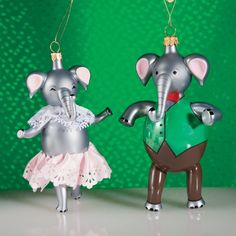 De Carlini Set of Two Elephants Italian Mouthblown Glass Christmas Ornaments -- Wow! I love this. Check it out now! (This is an amazon affiliate link. I may earn commission from it)