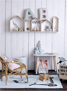 Love these house shelves! Deco Kids, House Shelves, Stylish Bedroom, Kids Room Design, Inspiration For Kids, Interior Inspiration, Little Girl Rooms, Kid Spaces, Kids Decor