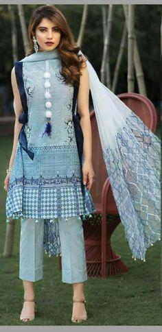 Follow me Maliha Tabassum Pakistani Fashion Casual, Pakistani Dresses Casual, Indian Dresses, Indian Outfits, Indian Fashion, Pakistani Models, Womens Fashion, Stylish Dresses, Simple Dresses