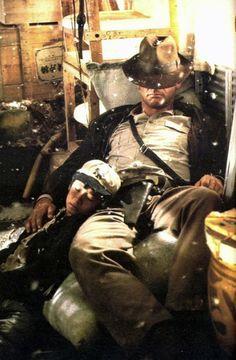 Short Round (Ke Huy Quan / Jonathan Ke Quan) & Indiana Jones (Harrison Ford) - Indiana Jones and the Temple of Doom Henry Jones Jr, Harrison Ford Indiana Jones, Indiana Jones Films, Love Movie, Movie Stars, Movie Tv, Science Fiction, Pulp, Film Serie