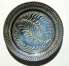 Ceramic Artists, Stoneware, Decorative Plates, Wax, Ceramics, Drawings, How To Make, Ceramica, Pottery