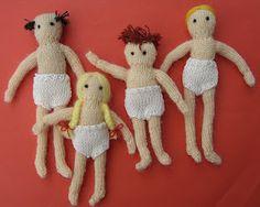 bitstobuy: Free miniature knitting pattern – Dolls house family part 3 - Baby Mütze Stricken Knitted Dolls House, Knitted Dolls Free, Knitted Doll Patterns, Crochet Dolls, Owl Knitting Pattern, Knitting Patterns Free, Free Knitting, Free Pattern, Dolls House Figures