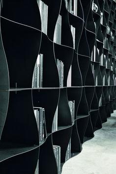Книжные стеллажи для дома – модель Iron-ic от студии Ronda Design