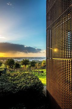Avantgarde design and architecture, a Michelin starred restaurant and fabulous views set apart the Le Saint James hotel in Bouliac, Bordeaux. Saint James, Bordeaux, Country Hotel, Minimalist Room, Main Attraction, Hotel Reservations, French Countryside, Hotel S, Boutique Design