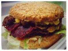 Burger from Pommes Boutique Salzburg Salzburg, Hamburger, Sandwiches, Food Porn, Good Food, Boutique, Ethnic Recipes, Hamburgers, Paninis