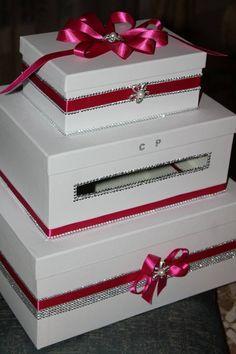 scatola ideata e creata da Elisabetta Morello con nastri di raso fiori di strass