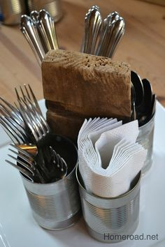 Rustic Recycled Aluminum Can Organizer - - Starting with the sides of an old barrel, some tin cans, and a couple of screws. A rustic, recycled organizer is born. the one sided organizer can s…. Soup Can Crafts, Tin Can Crafts, Fun Crafts, Recycled Decor, Recycled Tin Cans, Utensil Caddy, Utensil Organizer, Silverware Caddy, Utensil Trays