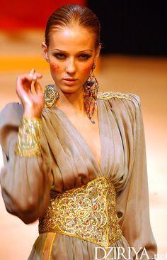 Le défilé Haute-Couture de Yasmina Chelali à Paris en 2004