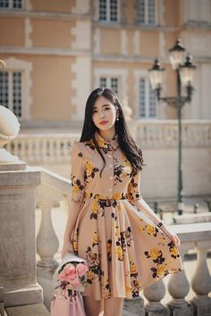 Voguish Business Casual For Women - Knitters Ulzzang Fashion, Kpop Fashion, Cute Fashion, Asian Fashion, Pakistani Dresses Casual, Casual Dresses, Indian Designer Outfits, Designer Dresses, Classy Outfits