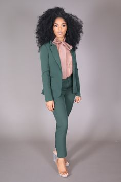 Hunter Green Blazer – The Kyra Danaya Collection Business Dresses, Business Outfits, Business Attire, Business Fashion, Business Women, Business Casual, Office Outfits Women, Stylish Work Outfits, Chic Outfits