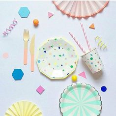 Let us brighten this dull and rainy Monday! #merimeri #kidsparty #partyplanning