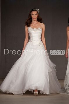 I'm not gettin married but I think this is really pretty ;)