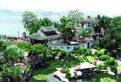 Shuzhuang Garden on Gulangyu Island, Xiamen. Freaking amaze!