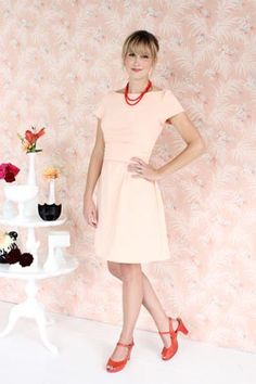 What a classsic cut - play it up or tone it down.  Another must make pattern. Peony by Colette Patterns.