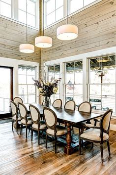 Stunning Farmhouse Style Dining Room Ideas With Glass Windows