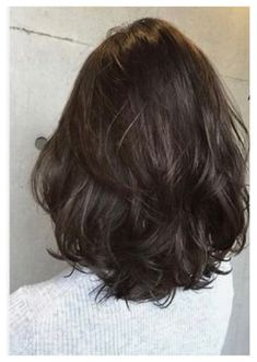 Layered Medium Cut – Hairstyle For Medium Length Hair Medium Hair Cuts, Short Hair Cuts, Medium Hair Styles, Curly Hair Styles, Haircut Medium, Medium Cut, Haircuts Straight Hair, Shoulder Length Curly Hair, Mid Length Hair