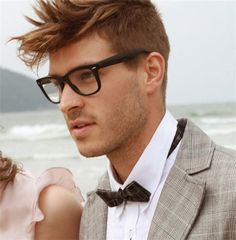 I'm a fan of any guy with hipster glasses.