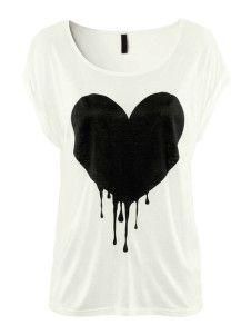 Bequemes Shirt aus Baumwolle mit U-Halsausschnitt und Herzmuster in Weiß