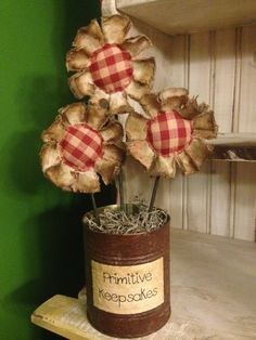 Primitive Flower Arrangement Red by DownHomeCountryCharm on Etsy Summer Crafts, Fall Crafts, Crafts To Make, Christmas Crafts, Prim Christmas, Christmas Trees, Burlap Flowers, Diy Flowers, Fabric Flowers