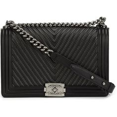 Pre-owned Chanel Vintage medium quilted chevron shoulder bag ($8,120) ❤ liked on Polyvore featuring bags, handbags, shoulder bags, chanel, black, preowned handbags, chanel handbags, chain handbags, quilted chain handbag and quilted handbags