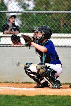 Barlow Girls Photography~ #clarksville #tn #fortcampbell #ky #woodlawnlittleleague #WLL #actionshots #sports #baseball #boys #summertime #helmet #batting #baserunning
