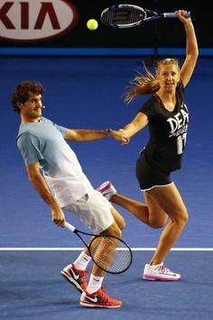 Roger Federer Australian Open 2014 Kid´s Day. Love this pic