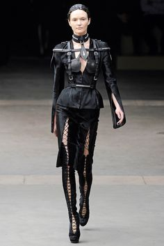 Alexander McQueen Fall 2011 Ready-to-Wear - Collection - Gallery - Look 1 - Style.com