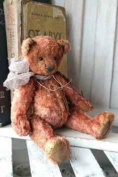 Слоник       Новый мишка.   Авторский.         Медведь по старой выкройке.      Давно мелькает в интернете выкройка мишки.   Вот мне ста...