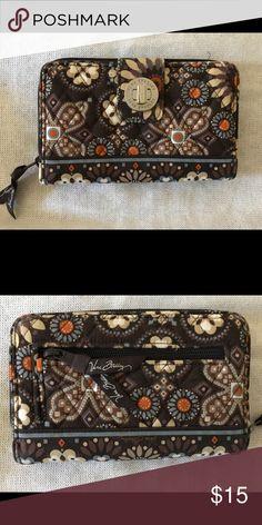 Vera Bradley Wallet Gently used Vera Bradley wallet, cloth. Vera Bradley Bags Wallets