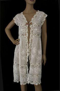 Boue Soeus trousseau lingerie, 1920s, from the Vintage Textile archives.