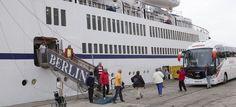 MOTRIL. El crucero Berlín, de la compañía naviera FTI Cruises, llega este jueves al Puerto de Motril con un pasaje a bordo muy particular. 150 de sus 300 ocupantes están