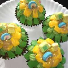 St Patrick's day cupcakes with Lucky Charms!