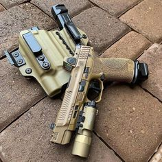 RAE Magazine Speedloaders will save you! Weapons Guns, Guns And Ammo, Shooting Guns, Fire Powers, Military Guns, Cool Guns, Firearms, Shotguns, Self Defense