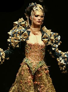 Guo Pei | Dances of vice