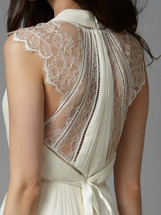 Channel 360° style with the super-statement, delicate lace back and cap sleeves…