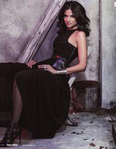 Natalia Jimenez, Dark Brunette, My Crush, Brunettes, Personal Branding, Arm, Magazine, Girls, Clothes