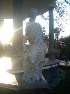 segunda estatua del Parque Central de Guastatoya. 2/2