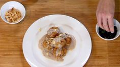 Fazolové kuličky se žampiony a hořčičnou omáčkou Oatmeal, Breakfast, Nova, The Oatmeal, Morning Coffee, Rolled Oats, Overnight Oatmeal